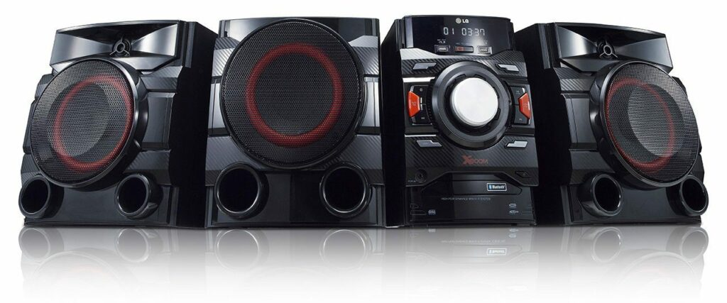 the LG CM4550 is one of the best compact stereos we've found.