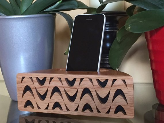 Acoustic iPhone Speaker Stand