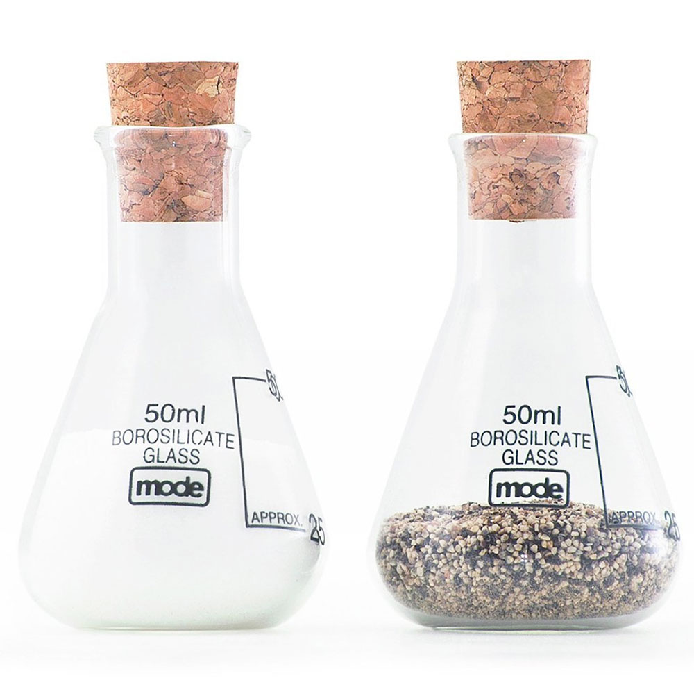 mod. Earl salt and pepper shakers